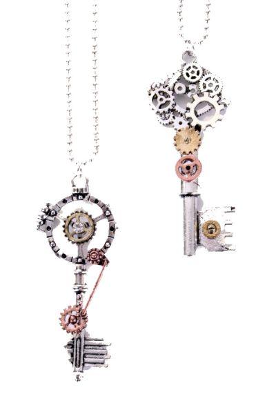 2 Steampunk-Ketten mit Schlüsseln
