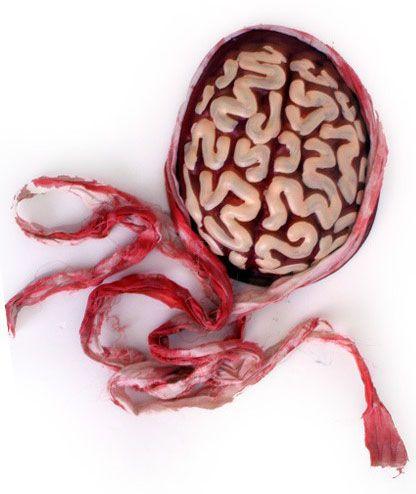 Halloween Zombie Gehirn mit Verband
