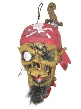 Hängende Dekoration vom abgehackten Piratenkopf