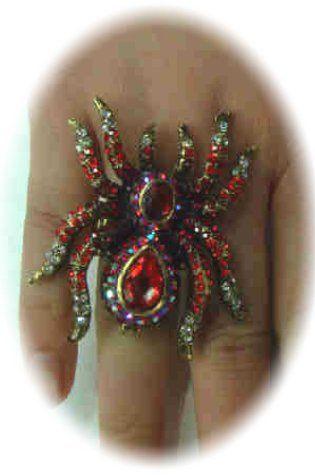 Luxusring mit roter Spinne verstellbar