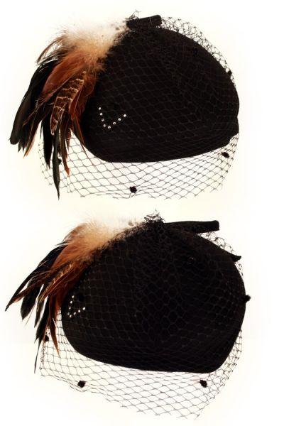 Damen Hut schwarz Mesh braun Federn und Bogen
